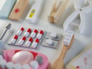 Kinderspielzeug Zahnarzt aus Holz